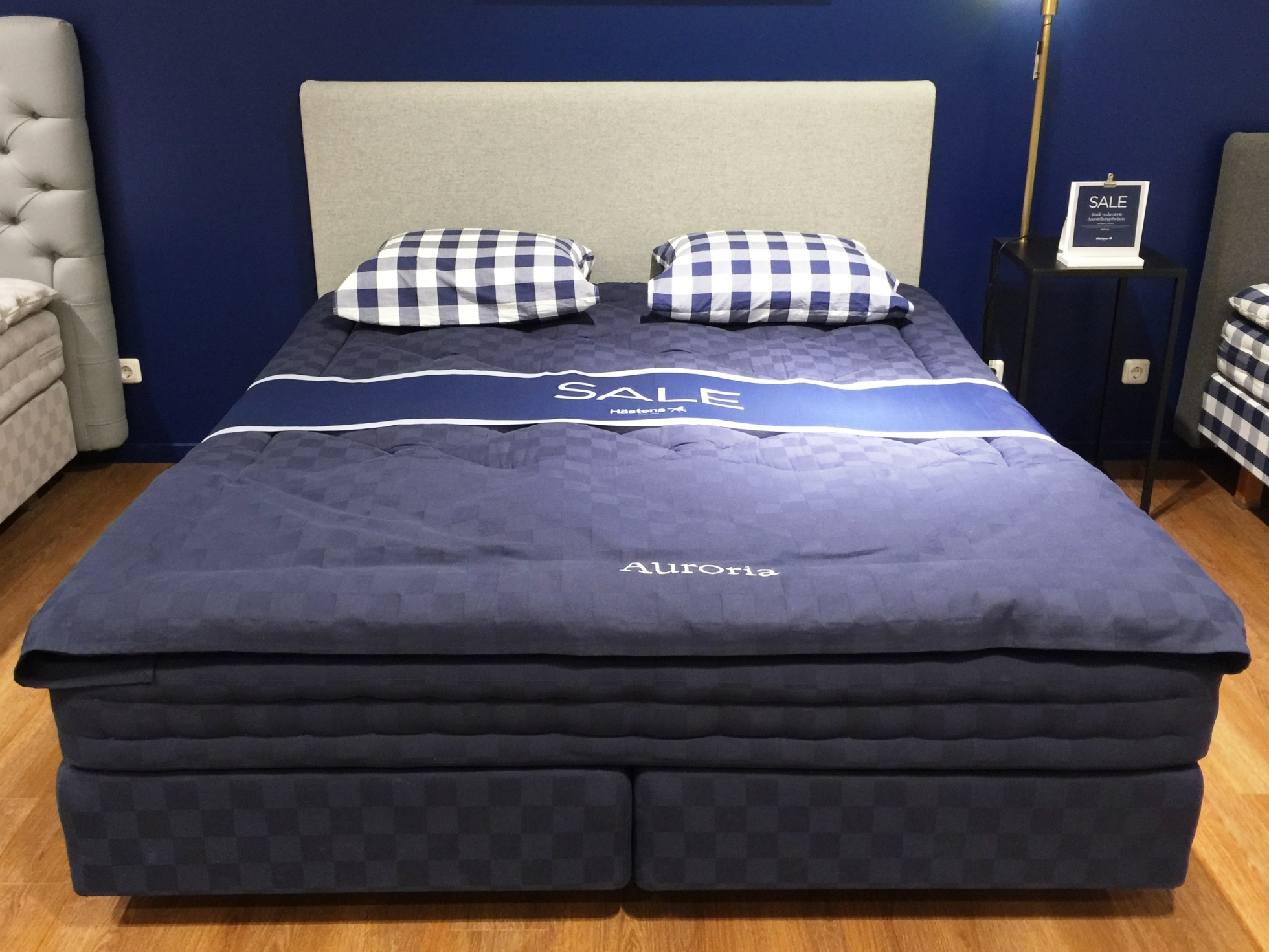 h stens boxspringbett auroria solid royal navy check. Black Bedroom Furniture Sets. Home Design Ideas